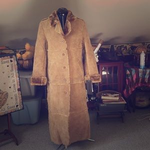 Honey suede coat; full length size small